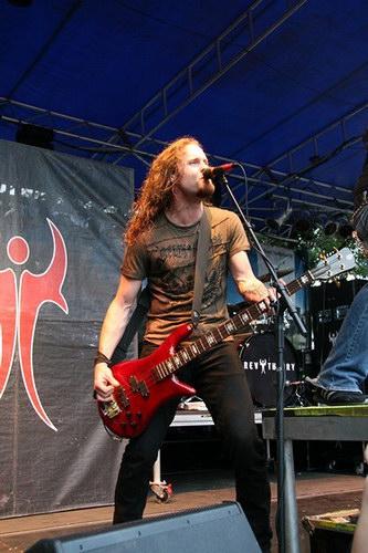 Matt-Mccloskey-bass-guitar-rev-theory