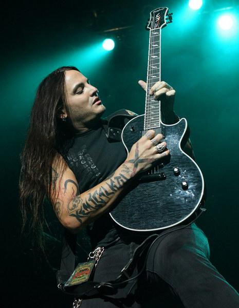 Rikki-Lixx-guitar-concert-rev-theory