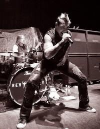 Фотоотчеты с концертов группы Rev Theory